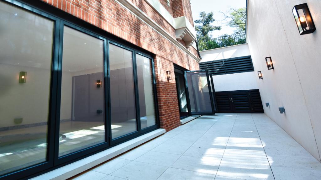 3 Benefits of Bi Folding Doors