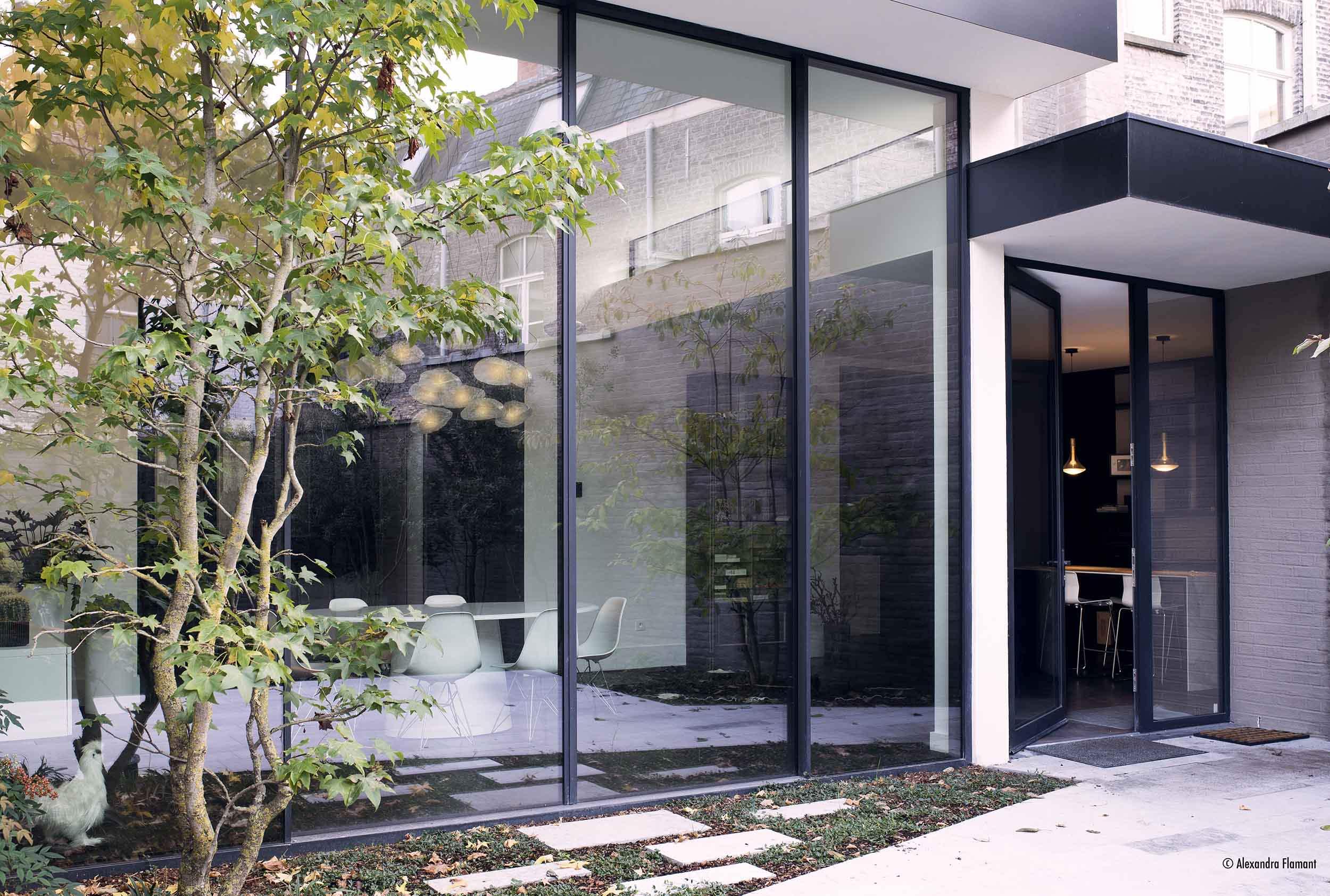 Aluminium Sliding Doors VS uPVC Sliding Doors: Which Is More Secure?